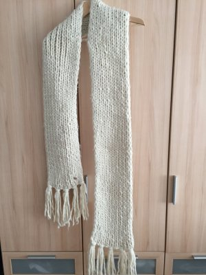 Kuscheliger XL Schal von OPUS