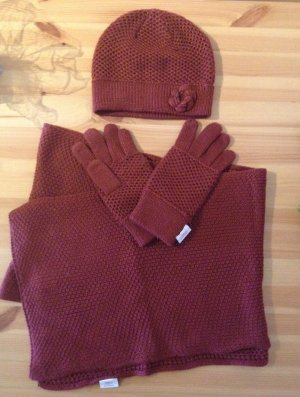 kuscheliges Set: Mütze, Schal, Handschuhe von S.Oliver in dunkelrot/bordeaux