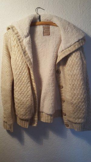 Kuschlige Jacke von Bershka