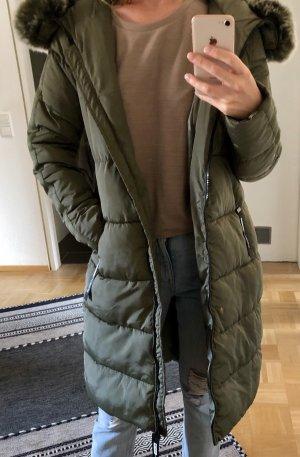 Abrigo de plumón caqui-verde oliva