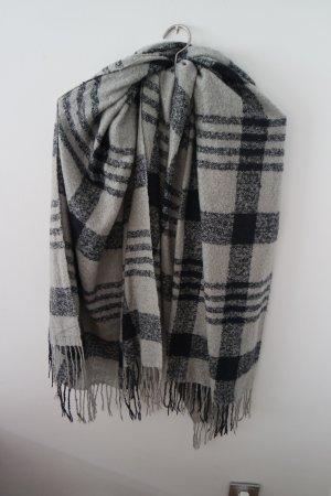 Kuschliger XXL Schal von OPUS in den Farben Grau und Blau