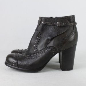 Booties black brown leather
