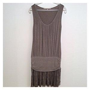La Fee Maraboutee, kurzes Kleid, rosiges Braun, leichtes Gewebe