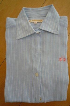 La Martina, Bluse, hellblau mit dünnen weißen Streifen, weiße Manschetten Gr. S