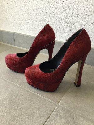 La vie en Rot! Ungewöhnliche Schuhe von Buffalo NEU