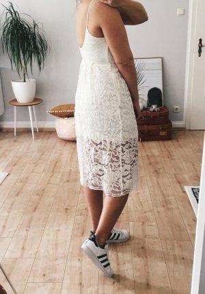 Lace-Dress mit Spaghettiträgern