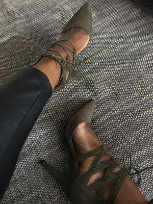 Lace high heels khaki
