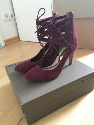 Lace-Pumps in Bordeaux von Tamaris