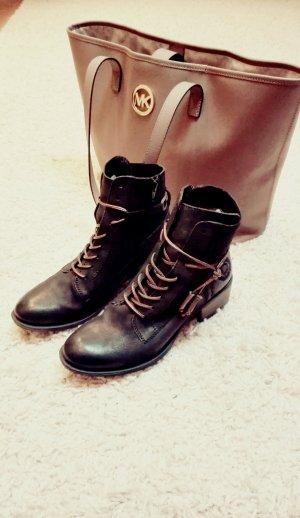 Lace-Up Boots / Schnürschuhe von Bugatti