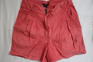 Lachsfarbene High-Waist-Shorts