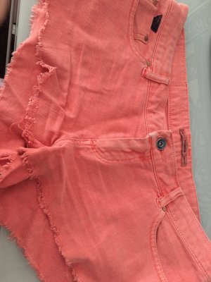Lachsfarbene Hotpants