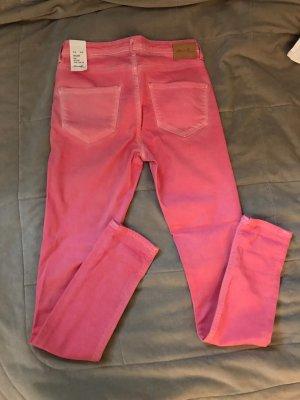 Lachsfarbene Jeans