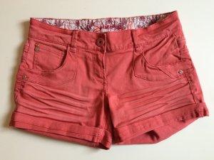 Lachsfarbene Shorts Größe M