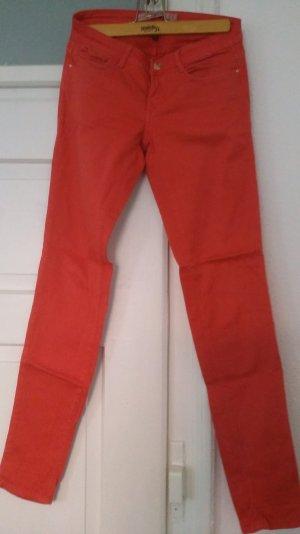 lachsfarbene Skinny Jeans