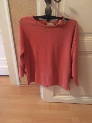 Lachsfarbener Pullover