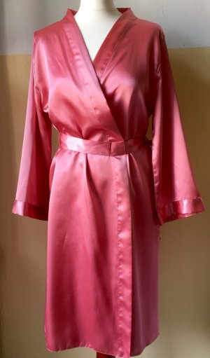 Lachsfarbener Satin-Kimono, Gr. 38