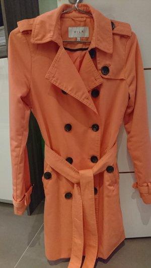 lachsfarbener Trenchcoat
