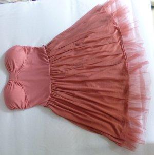 lachsfarbenes Kleid schulterfrei