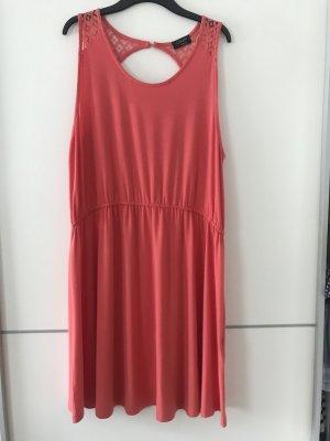 Lachsfarbenes Kleid von C&A