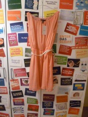 Lachsfarbenes Kleid von Mango mit Gürtel, Blogger, Sommer, Classy, Plissee