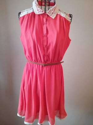 lachsfarbenes Sommerkleid