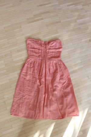 Lachsfarbenes trägerloses Kleid von Zara in Größe XS