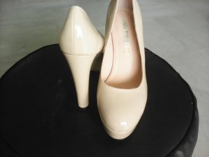 "Lackheels Buffalo beige/ nude  ""Shopping Queen"""