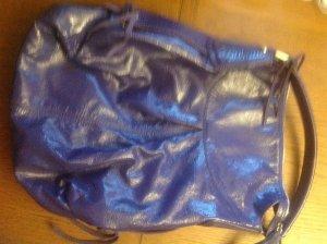 Lackleder Schultertasche/Shopper Fr Biasia  blauviollett. Leder einwandfrei.