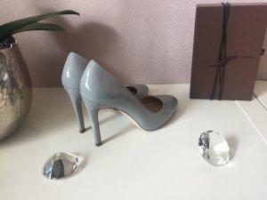 Lackpumps von Zara in grau
