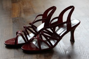 Lackschuhe, rote Riemchenschuhe, Sandalen, neu nicht getragen