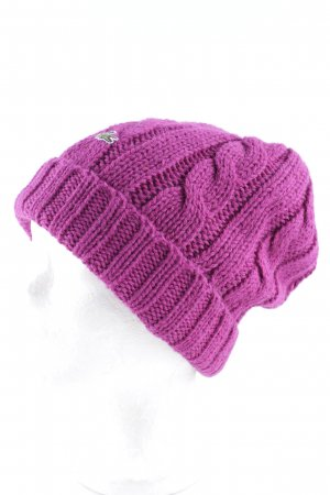 Lacoste Beanie purpur Zopfmuster Street-Fashion-Look