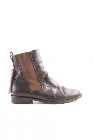 Lacoste Chelsea Boots brown casual look