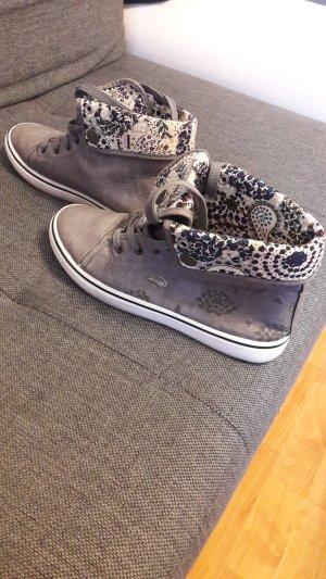 Lacoste Sneaker gr. 39