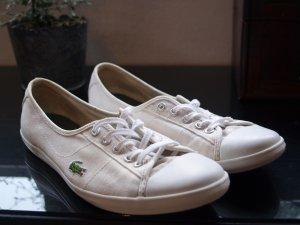 LACOSTE  Sneaker low in weiß mit kleiner Schnürung vorne