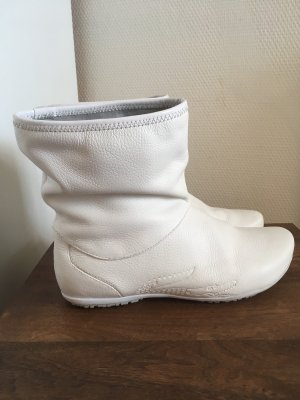 Lacoste Slip-on Booties white
