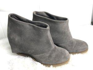 Alba Moda Enkellaarsjes met hak grijs