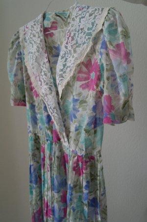 LADY CAROL PETITES Vintage Plissiertes Mid Kleid mit kurzen Ärmeln und Gürtel