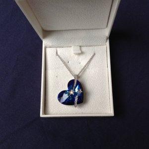 Lady Colour Kette mit Herzanhänger aus Swarovski #6264 Kristallen