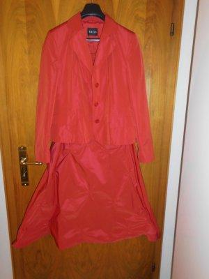 Lady in Red Abendkleid von Tuzzi 2-teilig