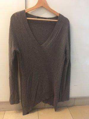 Länger asymmetrischer Pullover von Yaya