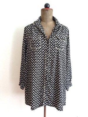 Länger geschnittene Vintage Bluse Gr. 40/42