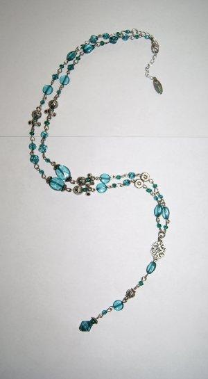 Längere Kette in Silber und Grün-Blau