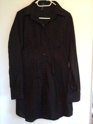 Längere schwarze Bluse