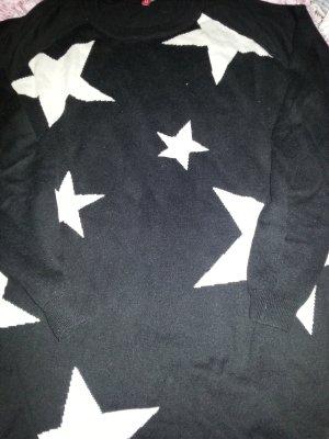 Längerer Pulli mit Sternen