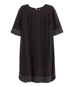 längeres Kleid mit Nieten
