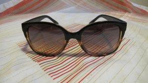 lässig schicke Sonnenbrille