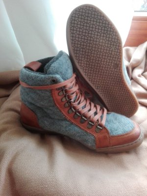 Eddie Bauer Lace-up Booties grey-brown leather