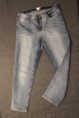 lässige Girlfriend-Jeans