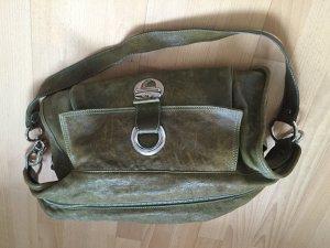 Lässige grüne Tasche im Vintage-Look von Strenesse