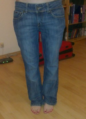 Lässige Hilfiger Boyfriend Jeans